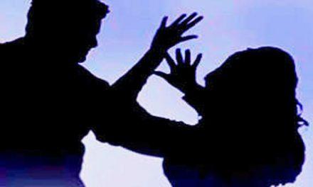 വയോധികയെ പോലീസ് തള്ളിയിട്ട് പരിക്കേല്പ്പിച്ചതായി പരാതി