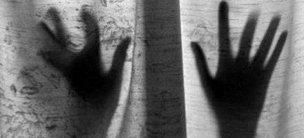 നഗരസഭ മുന്സെക്രട്ടറി രഘുരാമനെതിരെ സ്ത്രീ പീഡനത്തിന് പോലീസ് കേസെടുത്തു