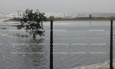 തീരദേശത്ത് ജാഗ്രതാ നിര്ദേശം – ചാവക്കാട് ബീച്ചില് ശക്തമായ വേലിയേറ്റം