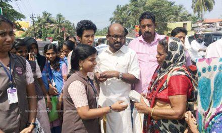 വിശക്കുന്ന വയറിന് ഒരു പൊതിച്ചോറുമായി എം ആര് ആര് എം സ്കൂള് വിദ്യാര്ഥികള്