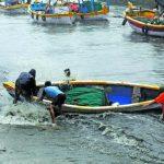 കടലില് പോകരുതെന്ന് ജില്ലയിലെ മീന്പിടിത്തക്കാര്ക്ക് കര്ശന നിര്ദേശം